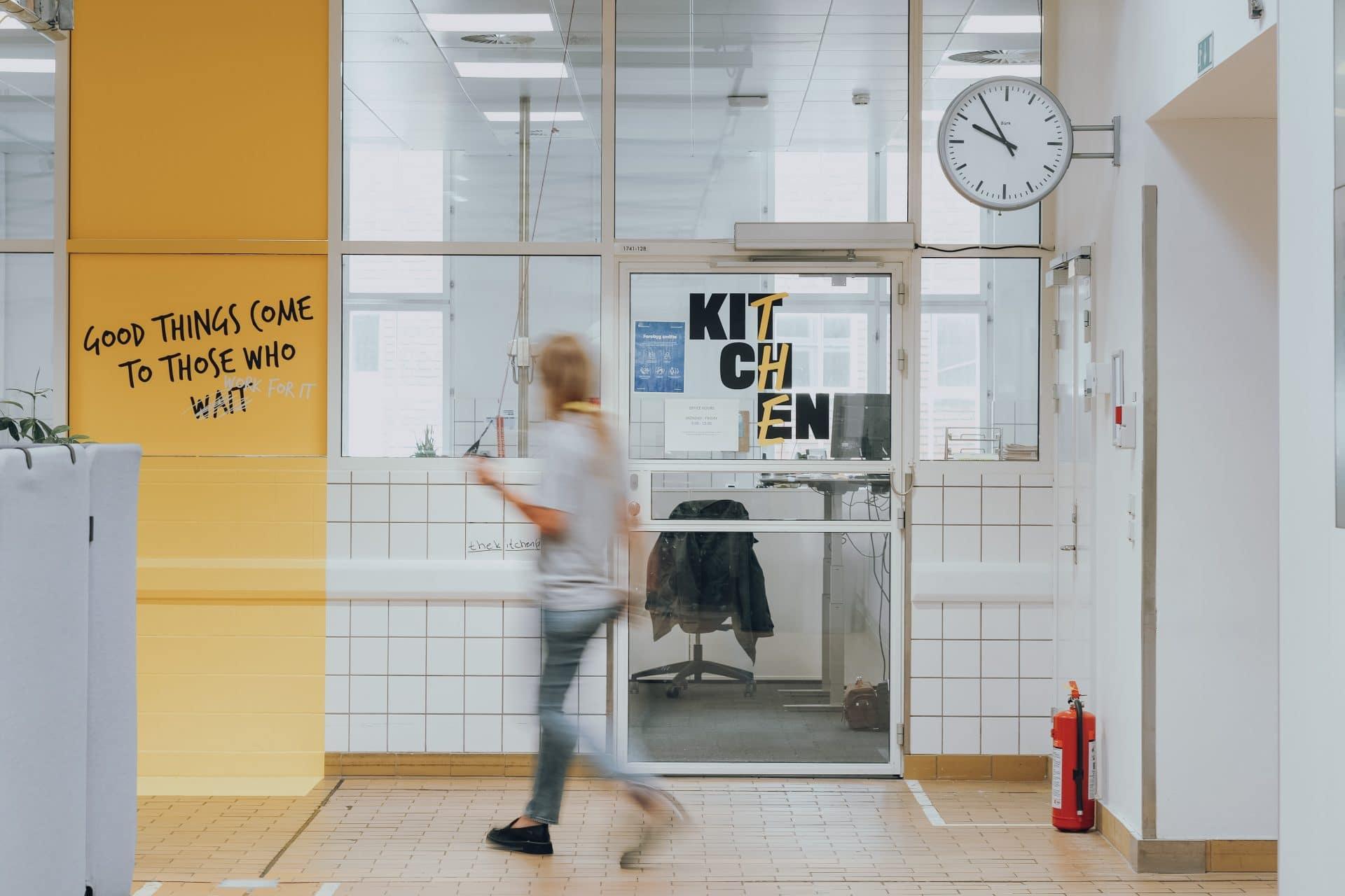 Aarhus Universitet trækker erhvervslivet tættere på